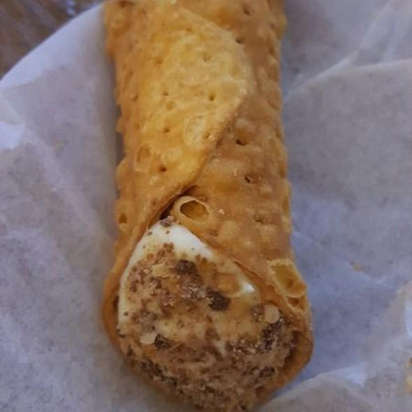 Creme Brulee Cannoli