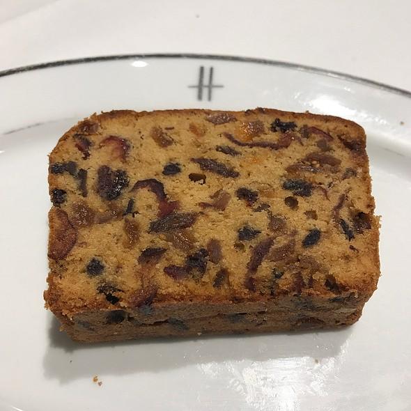 fruitcake @ Harrods Cafe
