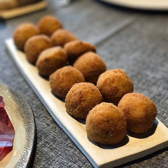 Croquetas De Setas Frescas De Primavera @ Restaurante Lakasa