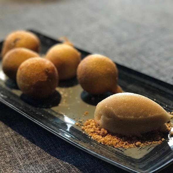 Buñuelos De Chocolate @ Restaurante Lakasa
