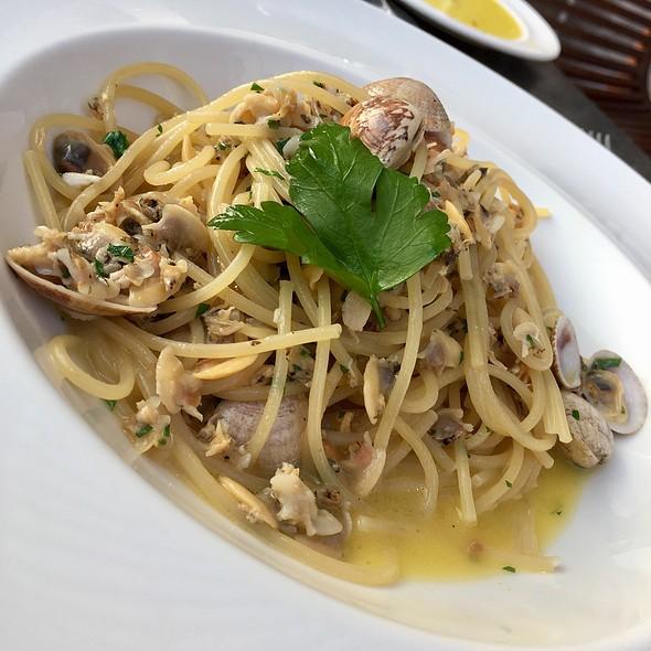 Spaghetti Vongole @ La Tratoria Di Mambrino