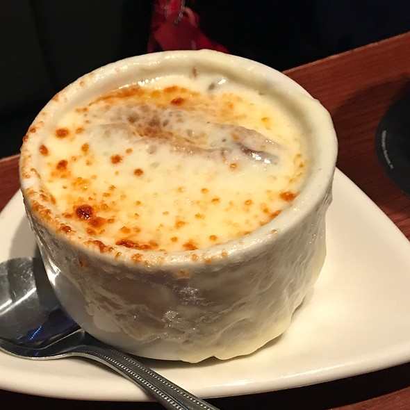 French Onion Soup @ Houlihan's