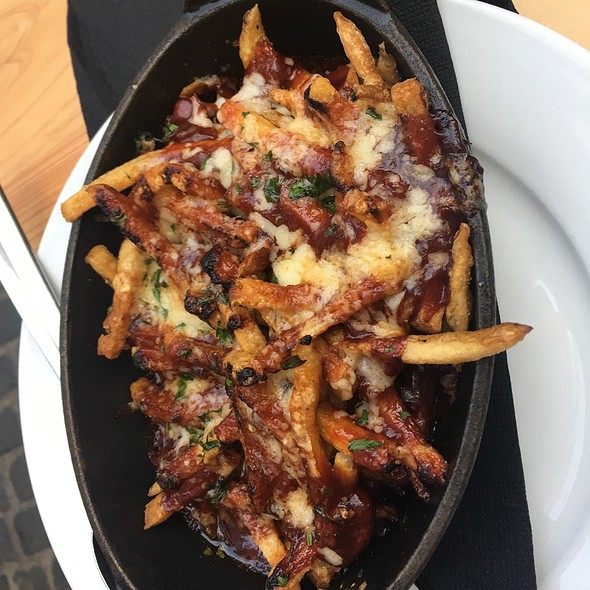 Fries With Chili & Cheese