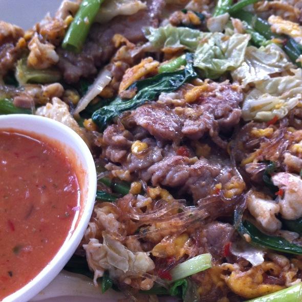Stire Fried Sukiyaki with beef @ ข้าวผัดปูเมืองทอง1