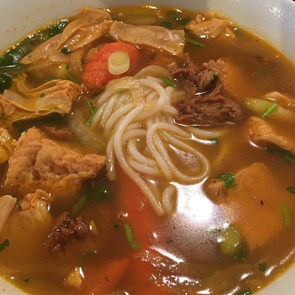 Bun Bo Hue (Vegan)