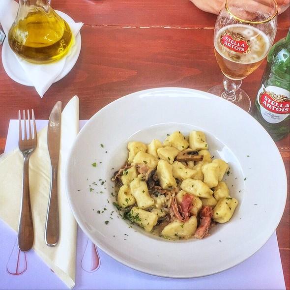 Gnocchi with Mushrooms and Prosciutto