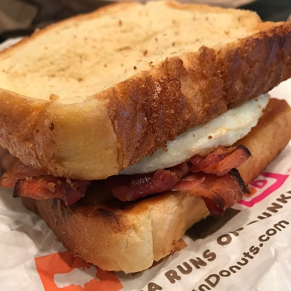Big N' Toasty Breakfast Sandwich