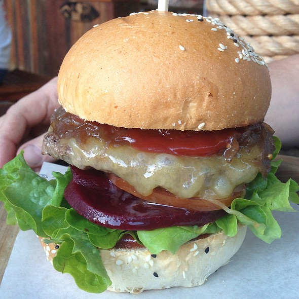 Oz Style Burger @ Longboards Laidback Eatery & Bar