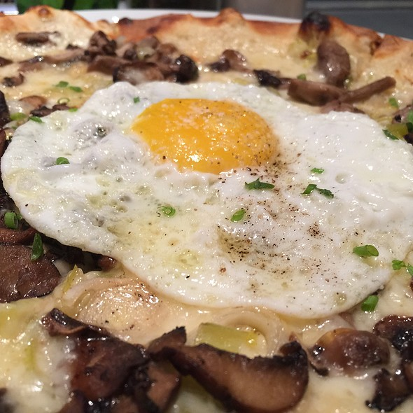 Fontina, Mushroom And Leek Pizza