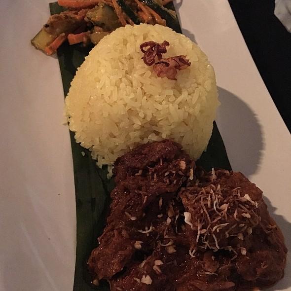 Beef Rendang @ Selera Singapore