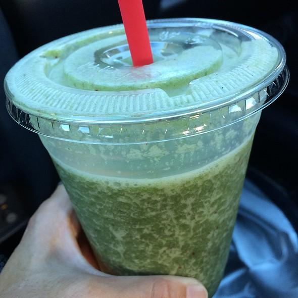 Super Green Smoothie @ Lanikai Juice