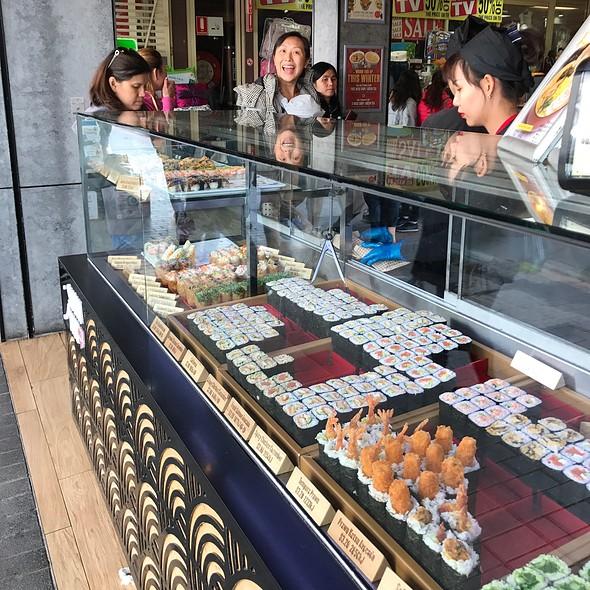 Sushi @ Sushi Hub