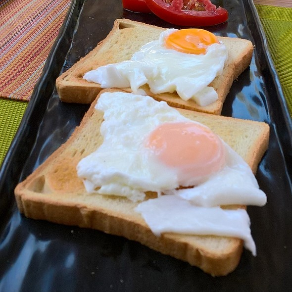 Poached Eggs On Toast @ Palatiano