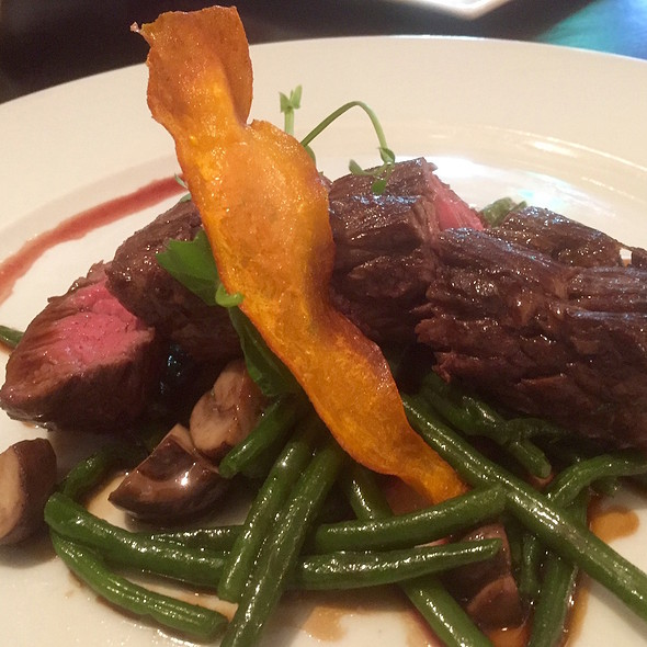 Bavette, haricots verts and jus de veau (with french fries and homemade mayonnaise) @ Thijs by Dikker & Thijs