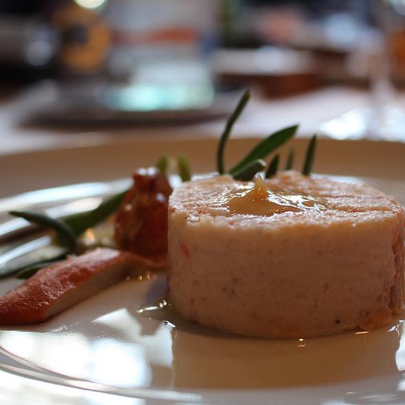 Terrine of lobster with radishes, silver vegetables and vinaigrette of roasted lemon @ Restaurant Savarin