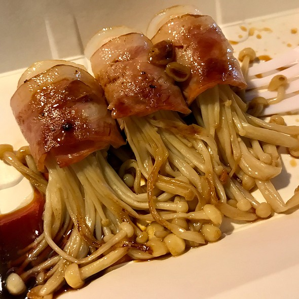 Mushroom And Bacon Wrap