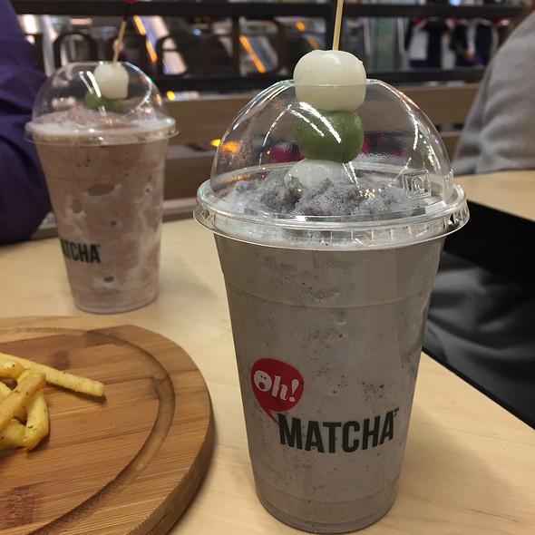 Black Sesame Mochi Frappe @ Oh! Matcha