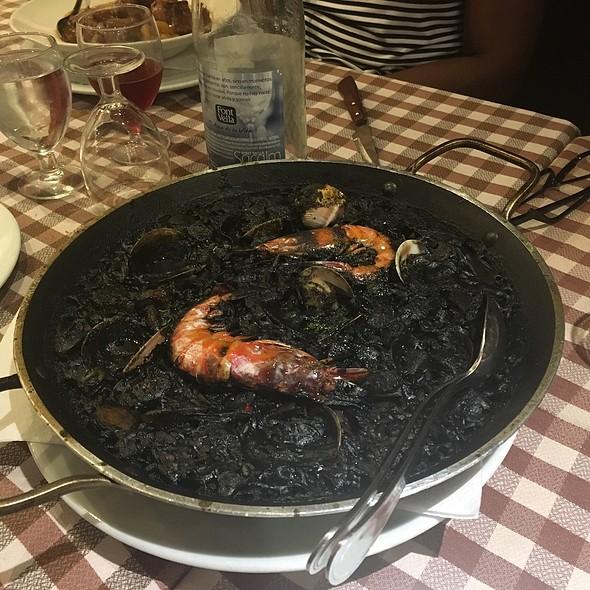 Black Rice Paella @ Taverna El Glop