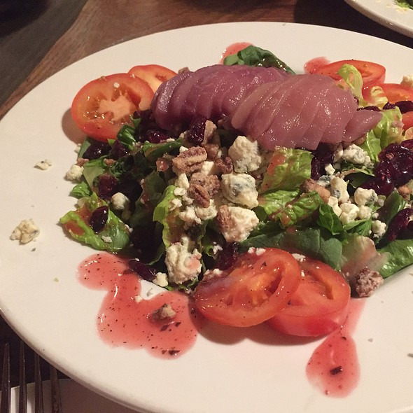 Oregon Salad @ Club Pioneer