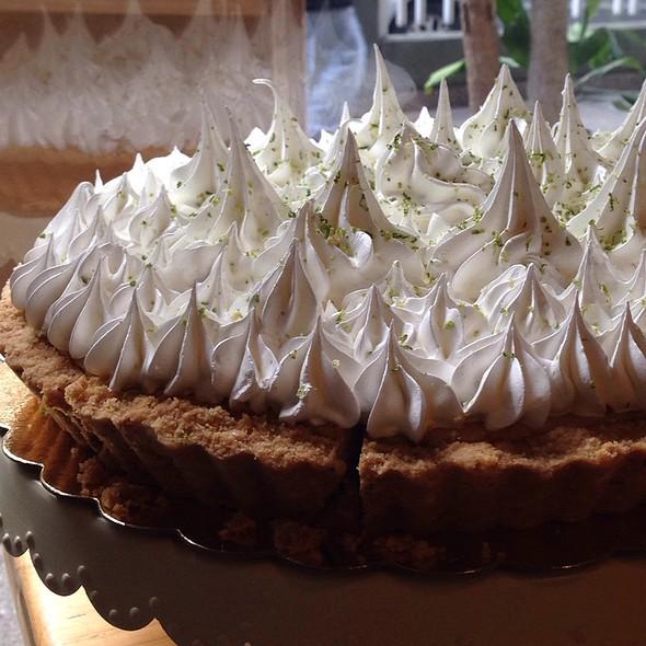 Pie De Limon @ Amelie Café