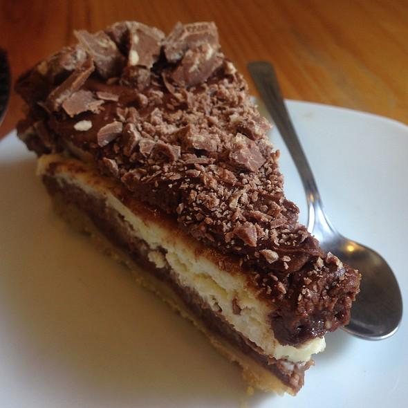 Cri Cri Cheesecake @ Amelie Café