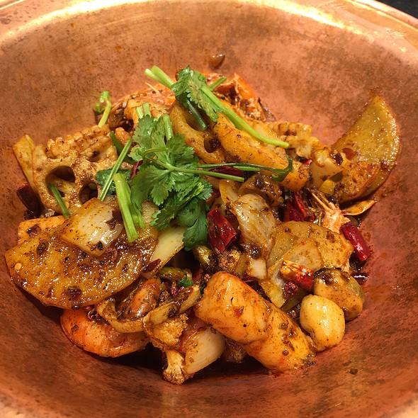 Wok Fried Seafood @ Mao Cai