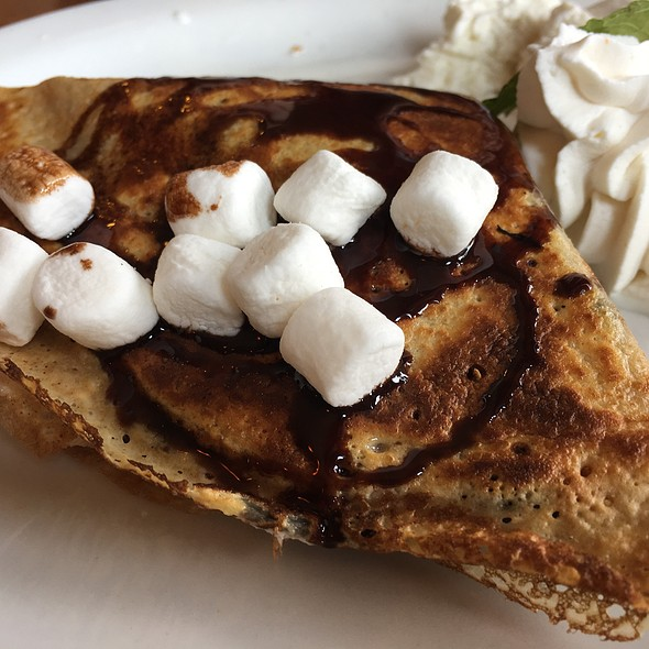 S'mores Crepe @ Crepevine