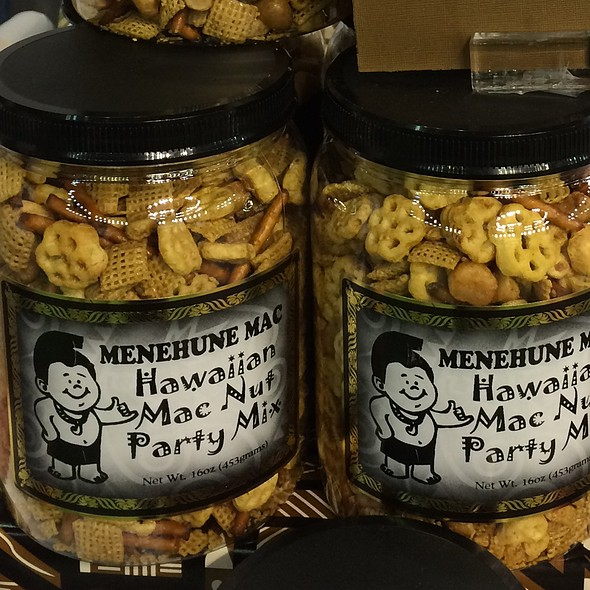 Spicy Hawaiian Mac Nut Party Mix @ Menehune Mac Candies