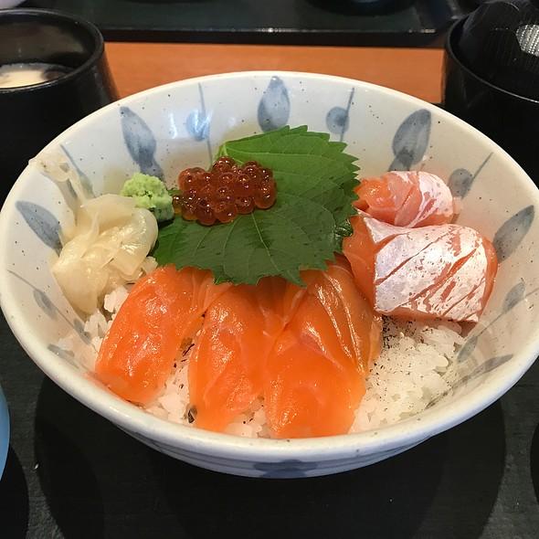 Sake Oyako Don