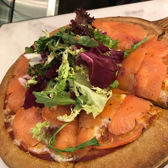 Smoked Salmon Sourdough Pizza