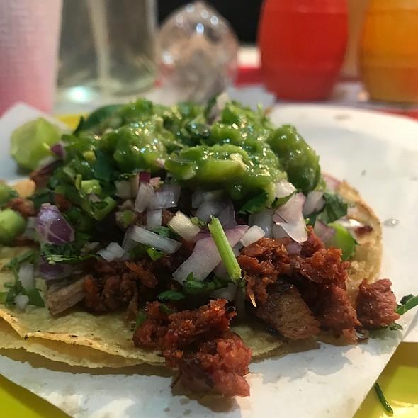 Tacos de longaniza @ 屋台 脇の店