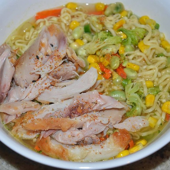 Very Veggie Cup Noodles with Chicken Meat Added