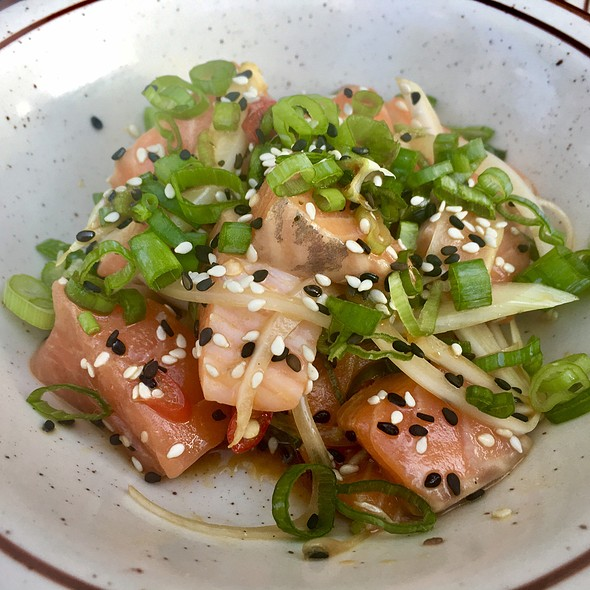Salmon poke @ Taste Bar