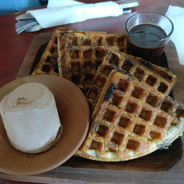 Choco Chip Waffles With Vanilla Ice Cream