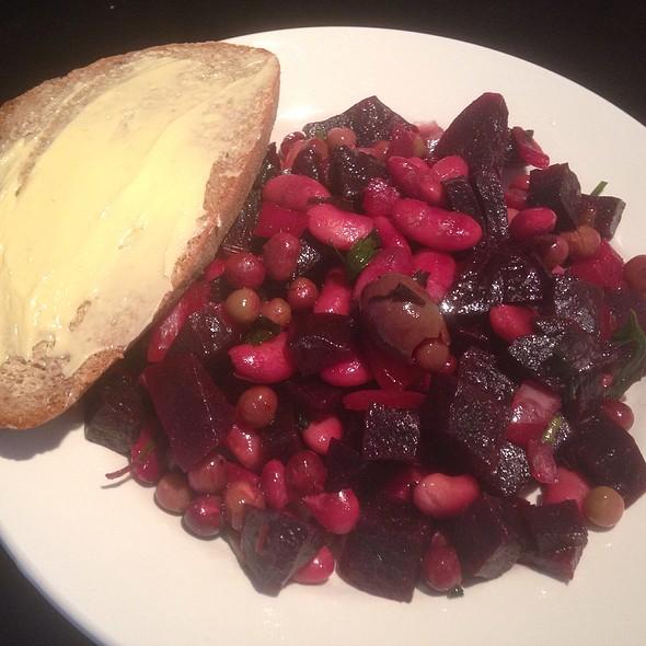 Vinaigrette Salad with Rye Bread
