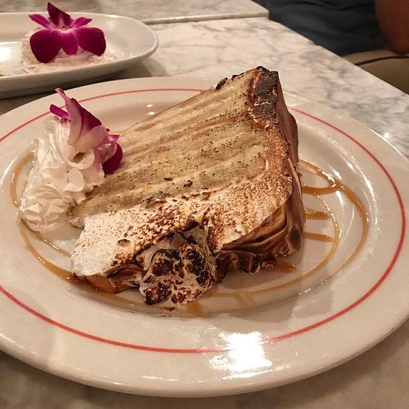 Vanilla 7-Layer Cake @ Vic & Angelo's