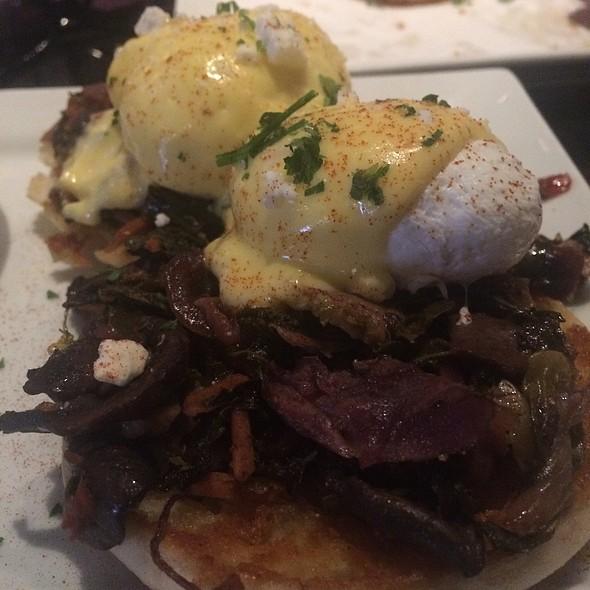 Veggie Eggsbenedict @ Not Watson's Kitchen + Bar