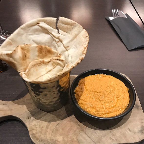 Hummus @ Park Inn By Radisson At Heathrow