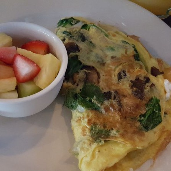 Spinach Mushroom Goat Cheese Omelette