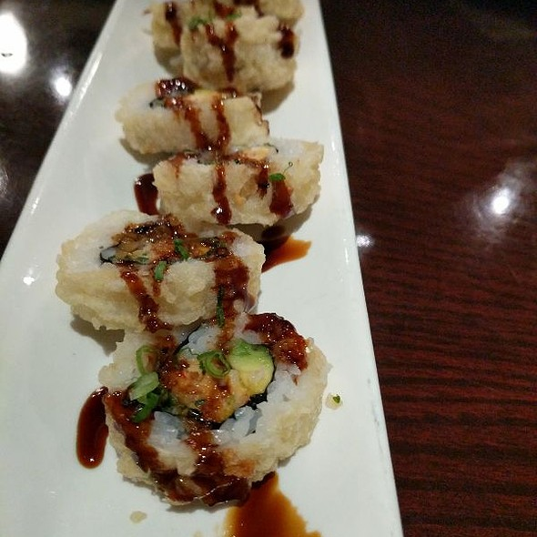 Spicy Crabmeat Tempura Roll