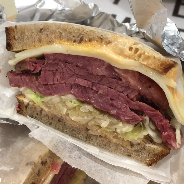 Reuben @ Brooklyn Bridge Deli
