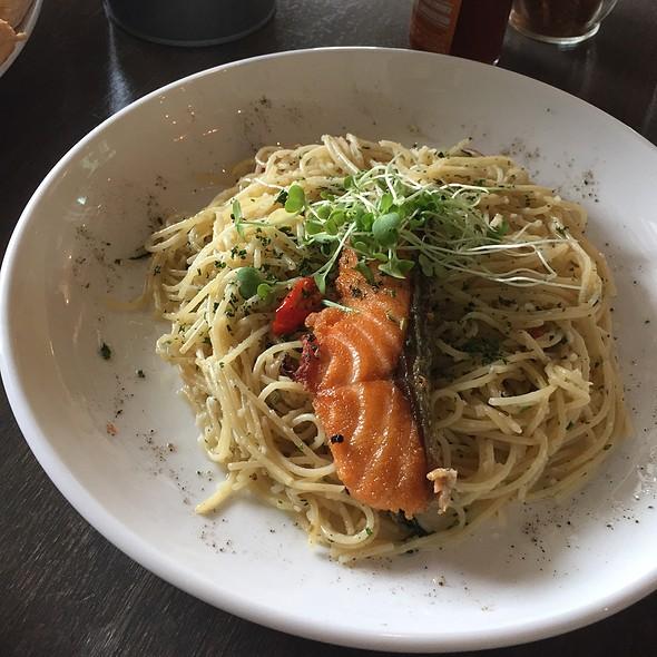 Aglio Olio Pasta With Salmon