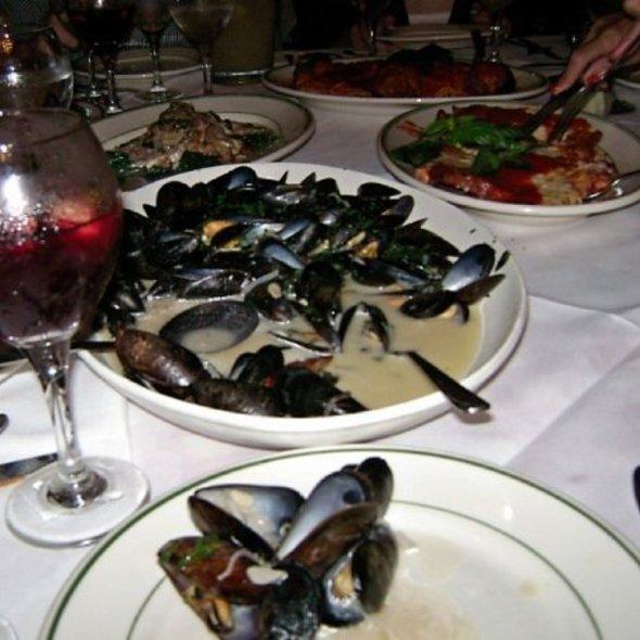 Mussels @ Tony's DiNapoli