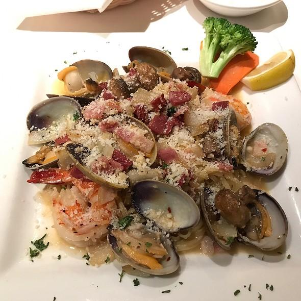 Seafood Linguine With Garlic Sauce @ Paesano Ristorante Italiano
