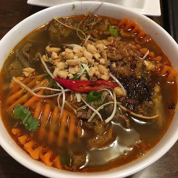 Phở Bò Sốt Vang  @ Mi Li Fu