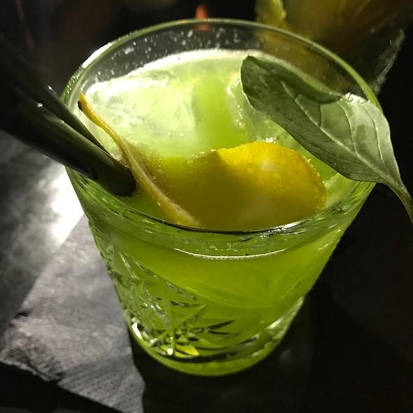 Gin & Basil Smash
