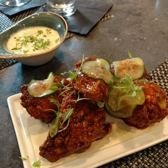 Vindaloo Curry Wings @ Maypop