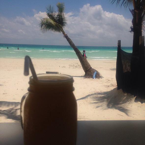 Mango Shake @ Beach Bites