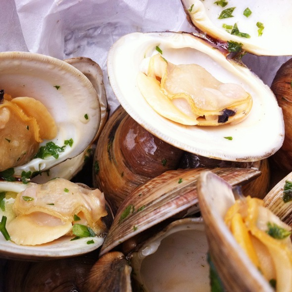 Steamed Littleneck Clams @ Frying Pan