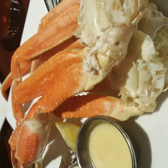 Crab Legs @ Latitude Seafood at Westchester commons